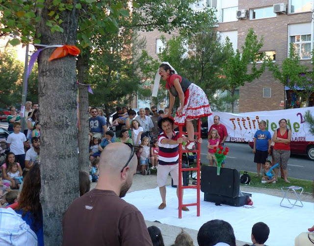 teatro de calle, clown , ¿...Y Romeo?, teatro clown, payasa, festival teatro de calle