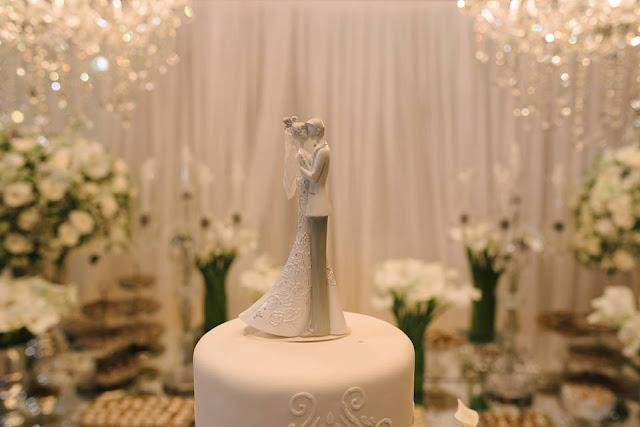 casamento real, rafaela e lucas, doces, sala de doces, forminhas para doces, mesa do bolo, topo de bolo