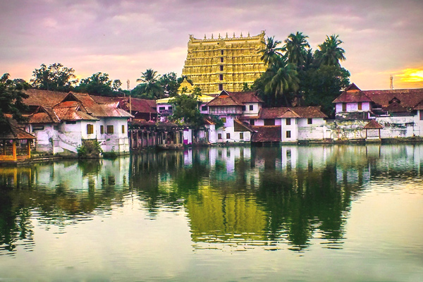 trivandrum sree padmanabhaswamy temple timings, sree padmanabhaswamy temple dress code, padmanabhaswamy temple photos, anantha padmanabha temple trivandrum latest news, padmanabhaswamy temple trivandrum dress code
