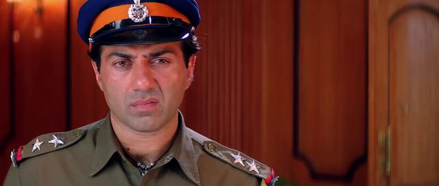 Champion (2000) Full Movie [Hindi-DD5.1] 720p HDRip Free Download