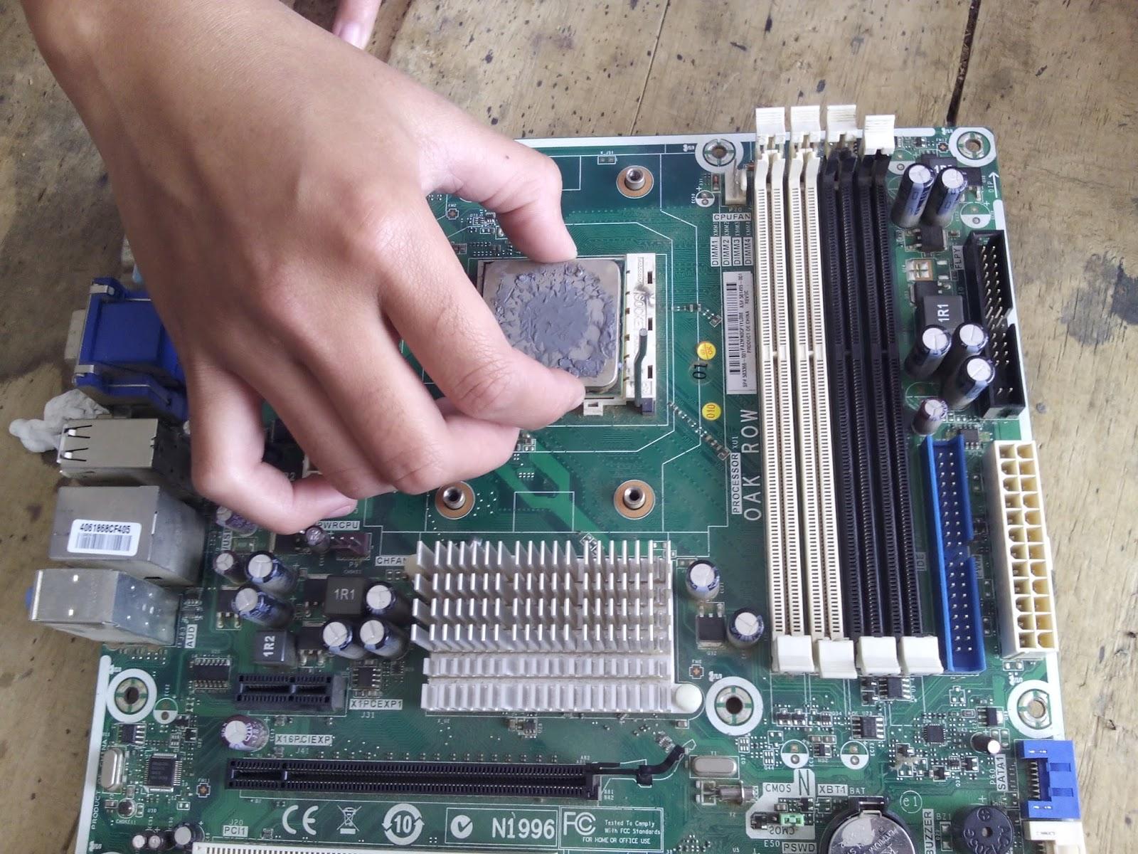 Contoh Laporan Merakit Komputer
