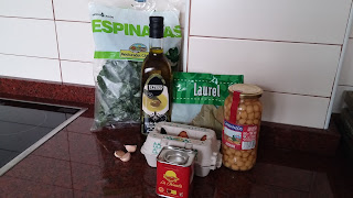 Ingredientes Potaje de garbanzos y espinacas