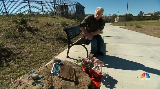 Dad Secretly Maintained The Memorial Of His Son For 13 Years Until This Billionaire Gave Him An Unexpected Message!