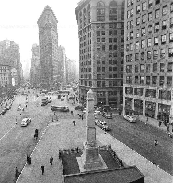 15 April 1941 worldwartwo.filminspector.com Flatiron Building NYC
