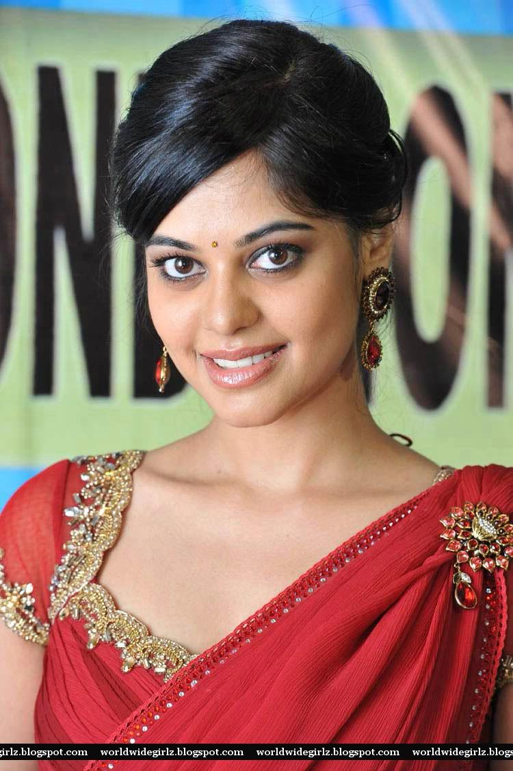 Bindu Madhavi Hot in Red Saree Photos ~ Film