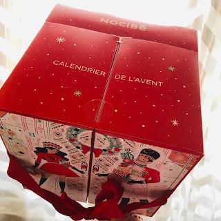 noel, magie, magique, astuce, sapin, cadeau, lettre, liste, cadeau, foie gras, folle blogueuse, magasin, décoration, lumières, guirlande, chants
