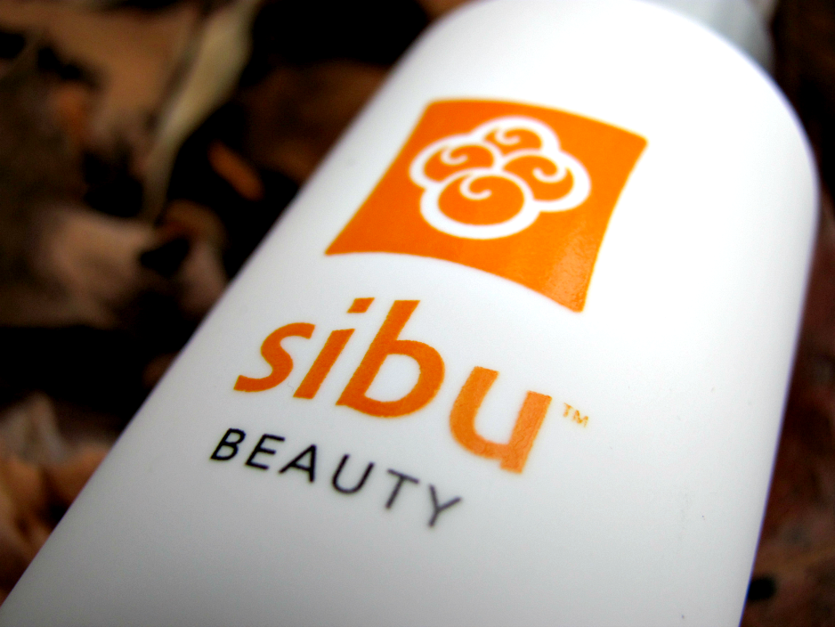 sibu-beauty-sea-buckthorn-balancing-facial-cleanser