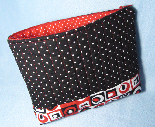Zippered Pouch... pattern from the book 'Pieces of Me' ~ Threading My Way