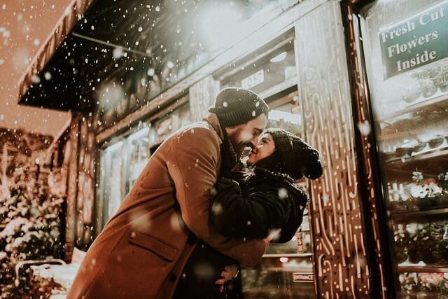 https://www.instacapt.com/2019/02/best-caption-for-instagram-couple.html