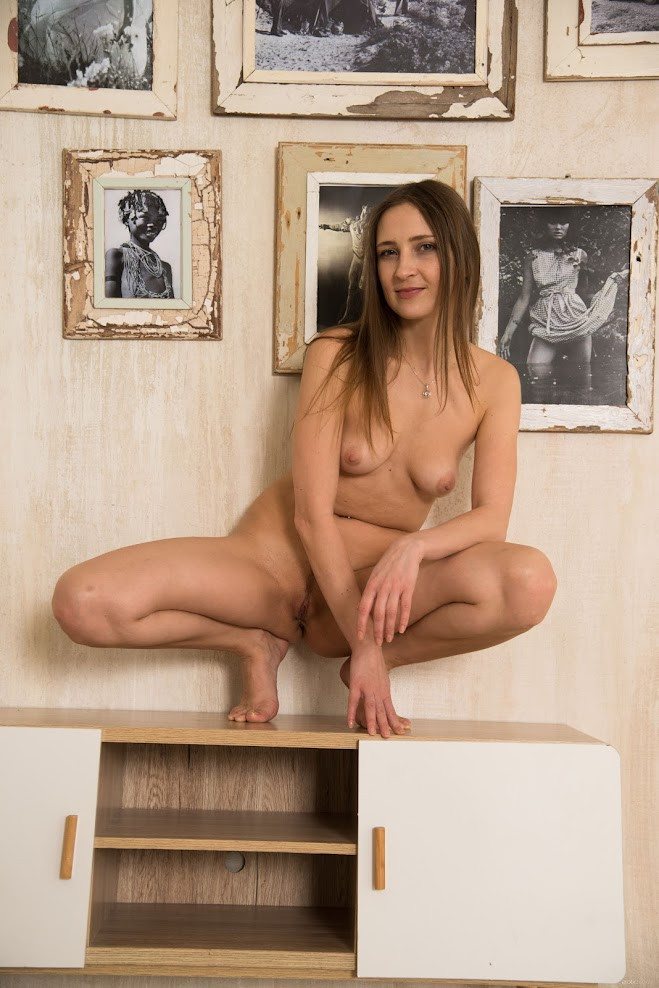 title2:EroticBeauty Lenta Pictures With Pictures