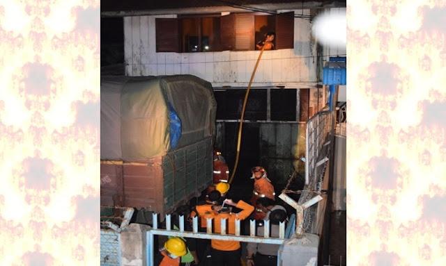 Ternyata Kebakaran di jalan Cokro Siantar, Hanya Trafo Listrik yang Meledak