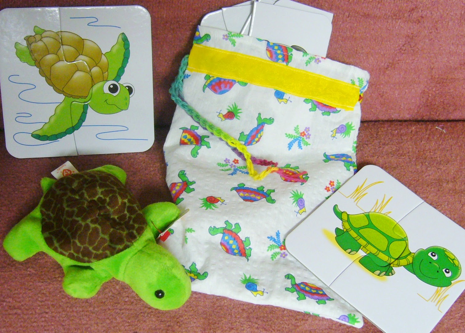 Turtle themed Operation Christmas Child shoebox.