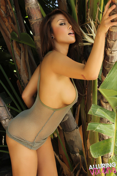 Justene Jaro Nude 113