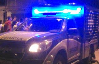 Homem é morto dentro de casa na presença da esposa e dos filhos; corpo da vítima foi removido para o IML de Alagoinhas