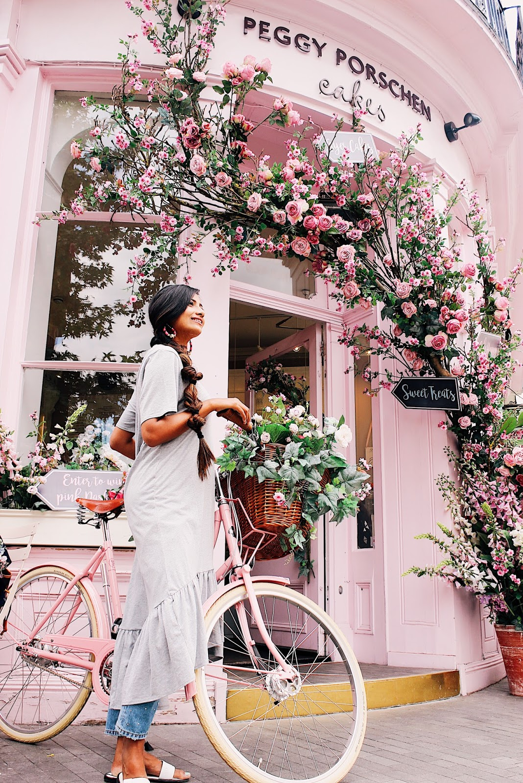 a girls instagram guide to london, instagram spots in london, instagram worthy places london, peggy porschen cakes, ebury street london, cupcakes london