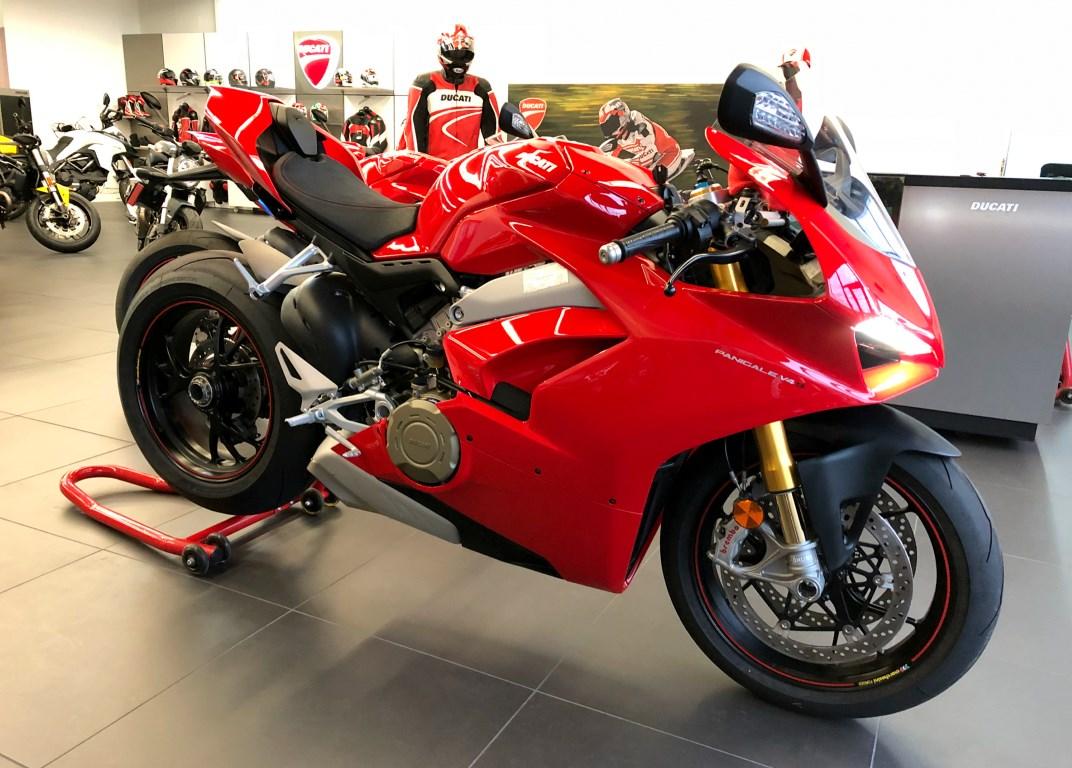 Berpotensi alami kebocoran oli, Ducati akan lakukan recall pada Panigale V4
