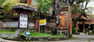 gerbang pintu masuk neka museum bali indonesia