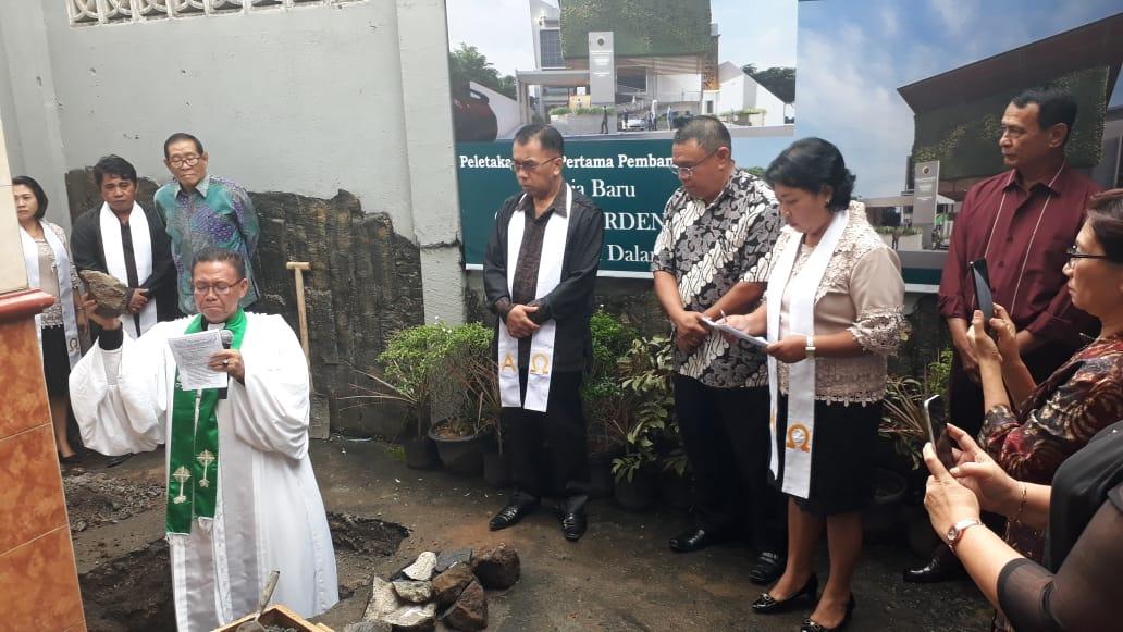 """Pembangunan Gereja Baru GMIM """"YARDEN"""" Dendengan Dalam, Ditandai Peletakan Batu Pertama"""