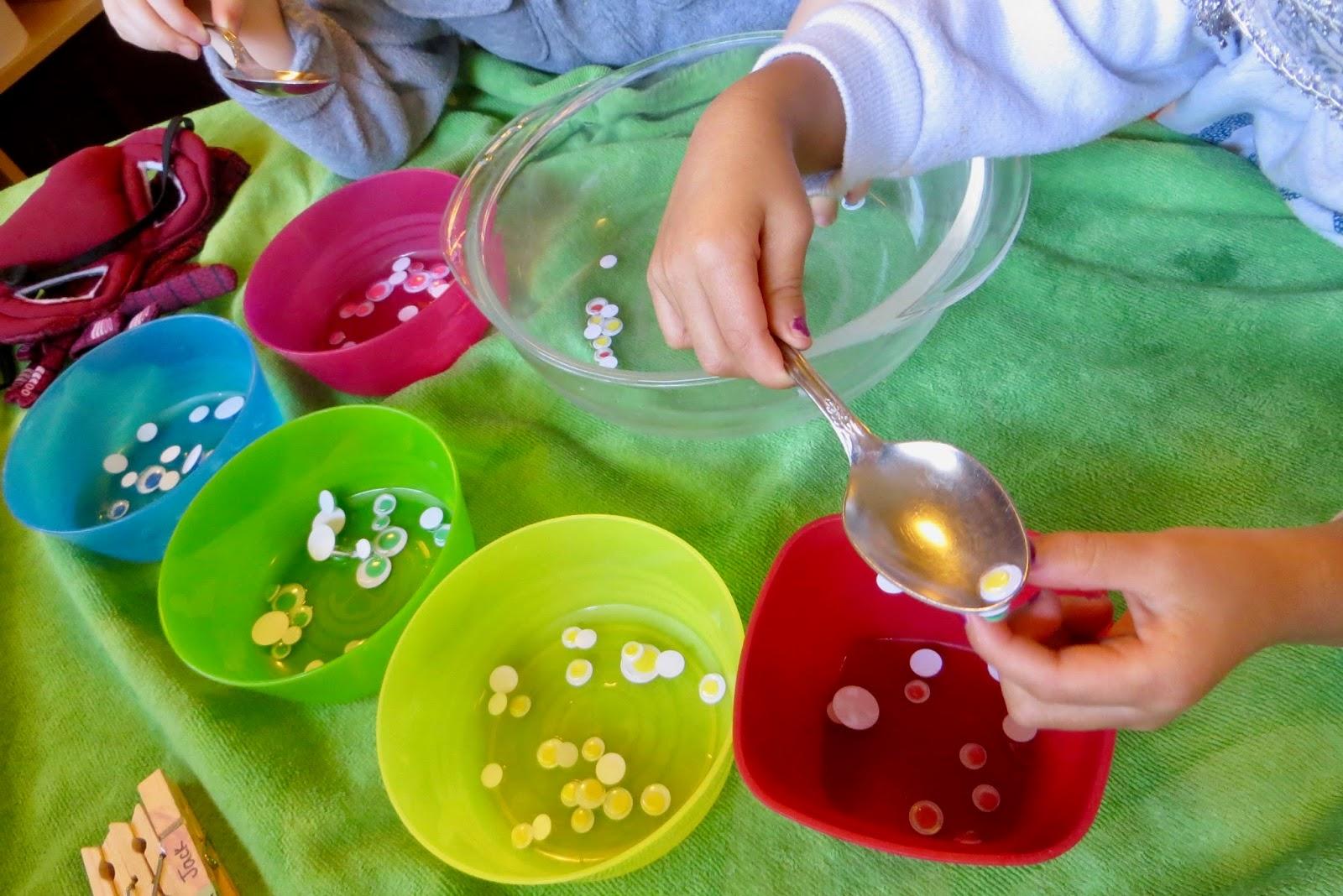 Ms. Sara\'s Preschool Blog: Learning Station - Eyeball Color Sort