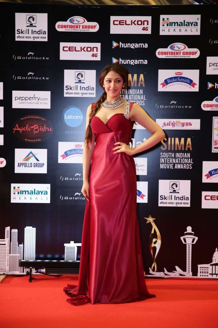 Akhil actress Sayyeshaa Saigal was among the performers at SIIMA