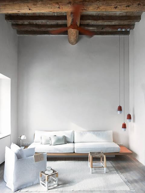 Minimalist decor Living room
