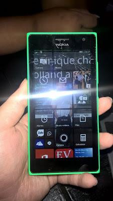 trung tâm thay thế kính nokia Lumia 730 uy tín