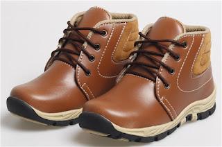 Sepatu Anak Laki-Laki Model Bertali BDA 537