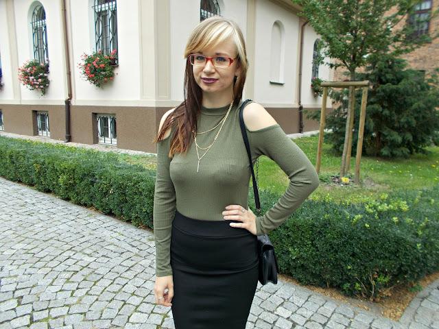 Czarna spódnica w wersji eleganckiej