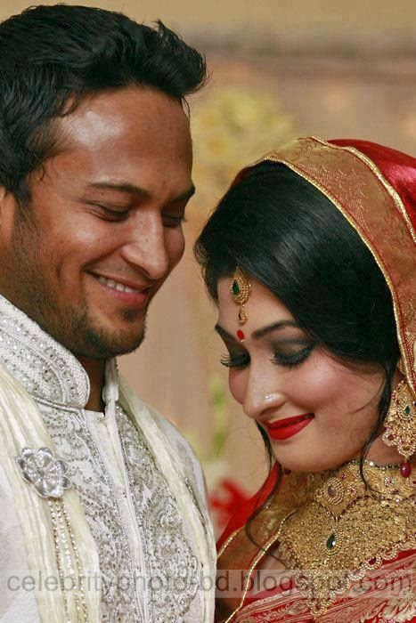 Shakib Al hasan and his Sexy Wife Umme Ahmed Shishir Latest Unseen Private Pictures And Images