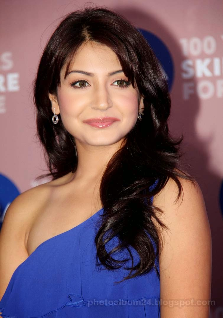 Anushka Sharma Saree: Anushka Sharma Indian Actress New Hot And Sexy Image