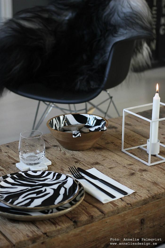 annelies design, webbutik, webshop, nätbutikm inredning, dekoration, presentbutik, varberg, zebra, serie tallrik, tallrikar, skål, salladsbestick, tallriksunderlägg, underlägg,