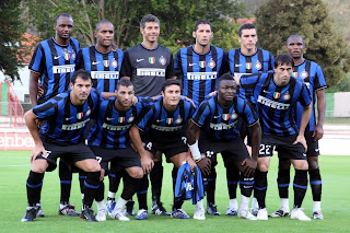 Members of the Inter team that won the Scudetto five times between 2006 and 2011
