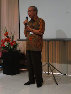 dr. Makmur Santoso Memberikan Sambutan