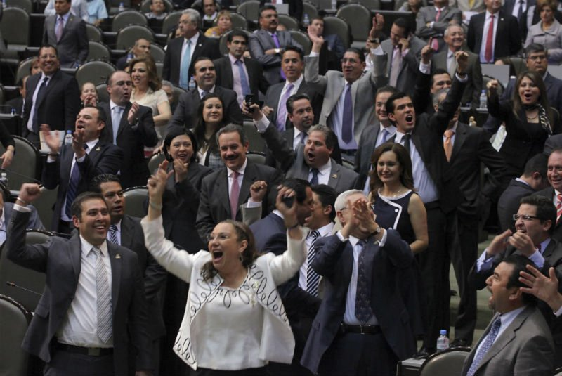 Diputados y senadores se van al Mundial de Rusia con dinero del erario público