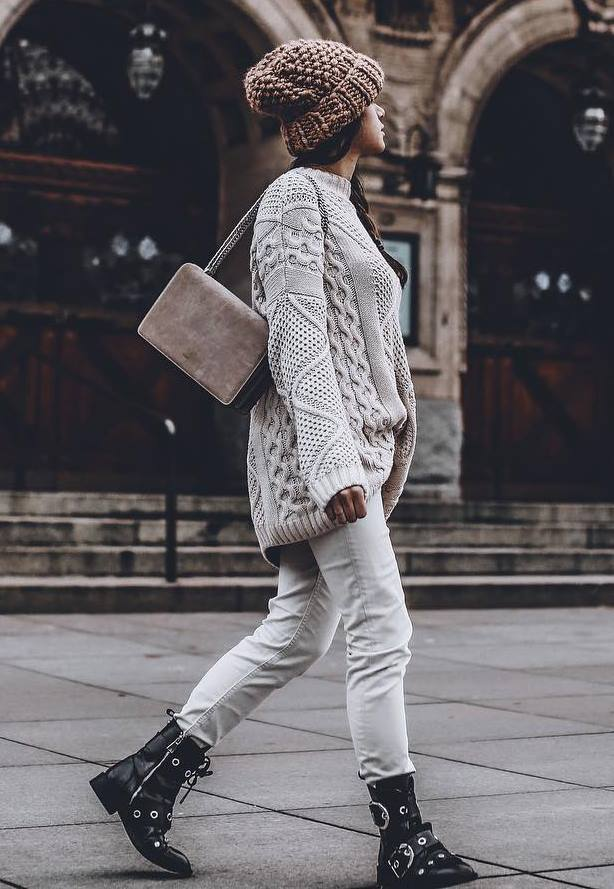 great cozy outfit / bag + knit hat + white jeans + boots + oversized sweater