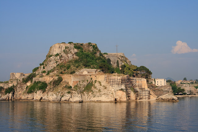 Old Fortress in Kerkyra. with sea view. Corfu. Greece. Старая крепость в Керкире. Вид с моря. Корфу. Греция.