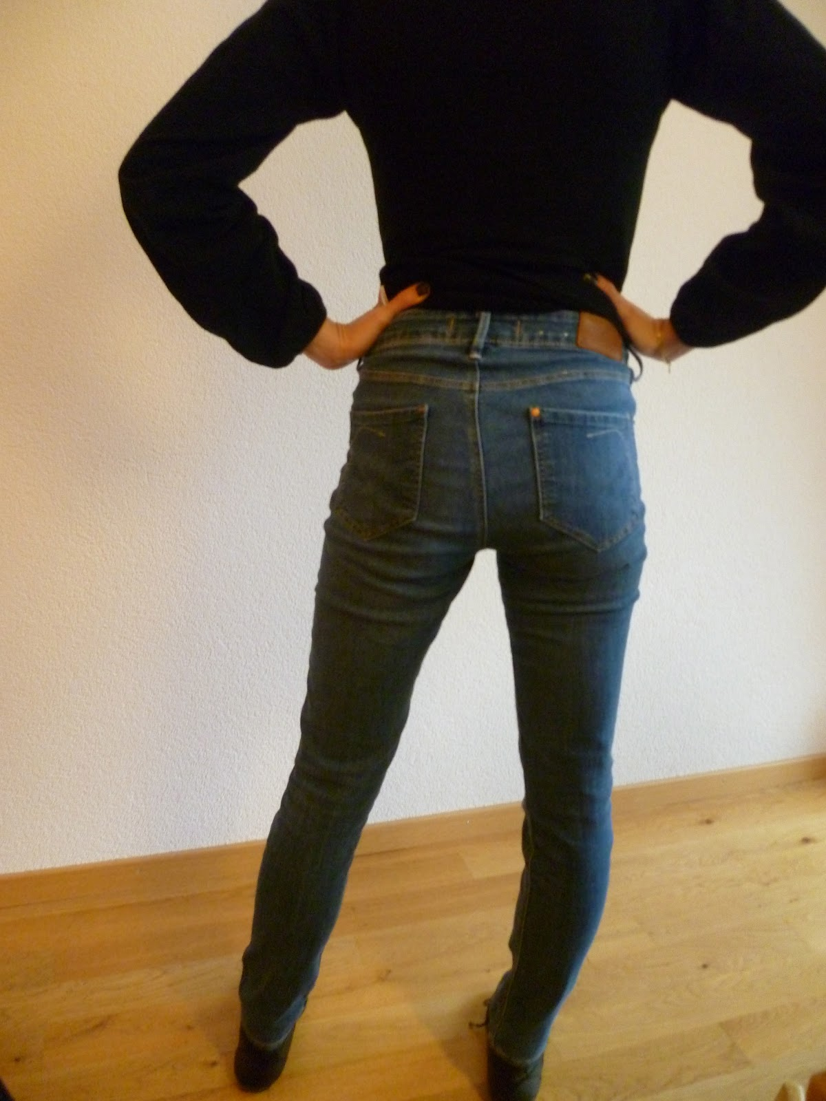 fr uleinwunder hoch geschnittene slim fit jeans 55. Black Bedroom Furniture Sets. Home Design Ideas