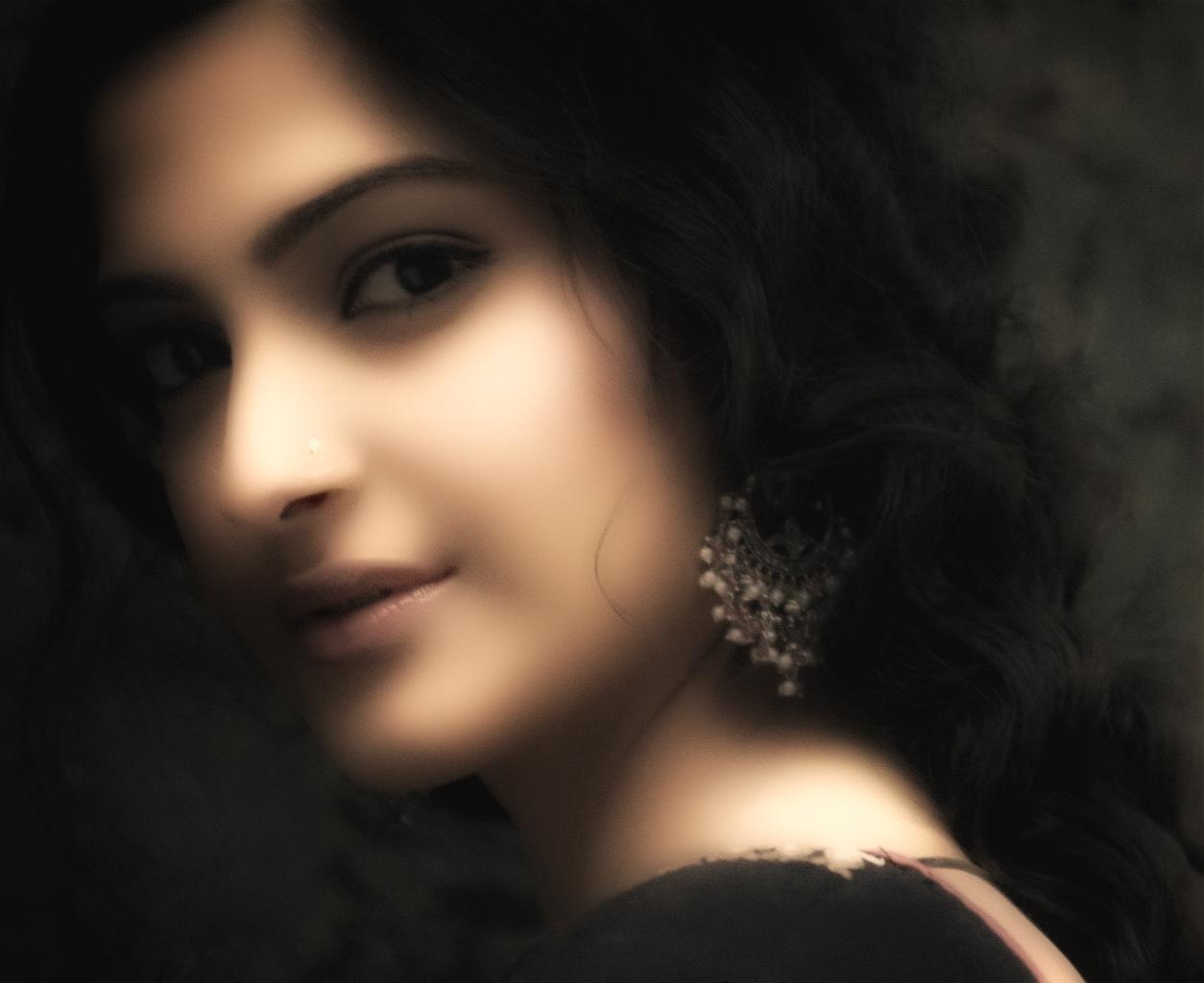 Sonam Kapoor: Sonam Kapoor HD Images