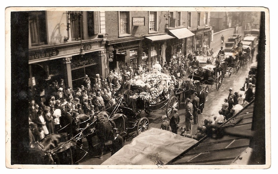 Photo of Thomas George Chapman's funeral leaving from the Old No.9 pub