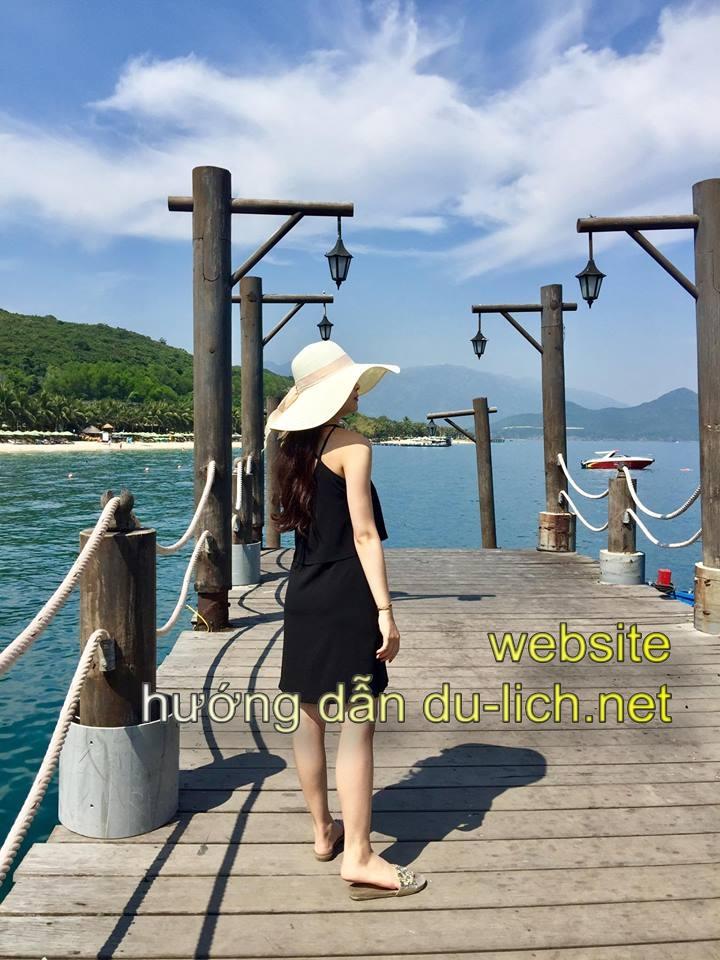 Từ Nha Trang bạn có thể đi xuống Ngọc Sương Resort