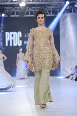 pfdc-loreal-paris-bridal-week-2016-saira-rizwan-lehenga-dresses-collection-8