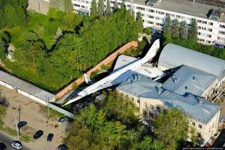 Supersonic TU-144 terbiar di Rusia.