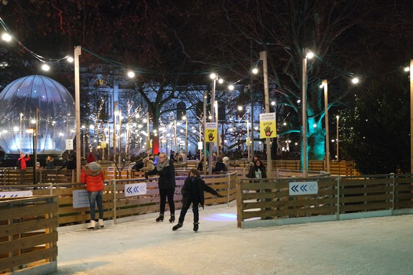 vienne vienna marché Noël weihnachtsmarkt rathaus rathausplatz patinoire hôtel de ville
