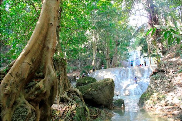 Air Terjun Oenasu Kupang