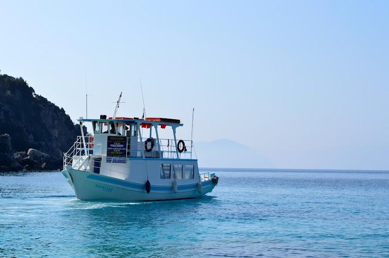 Райските води на плаж Агиофили