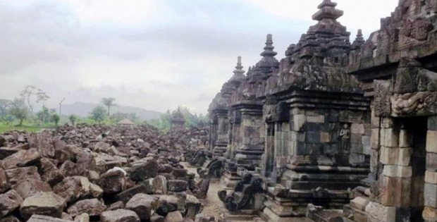 Peninggalan Hindu-Budha di pulau Jawa