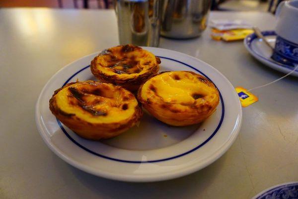 パステイス・デ・ベレンの歴史的世界遺産的お菓子:エッグタルト