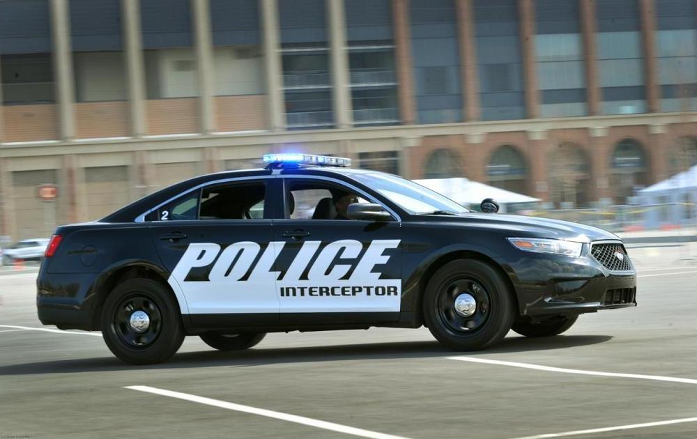 2013 ford police interceptor autoesque. Black Bedroom Furniture Sets. Home Design Ideas