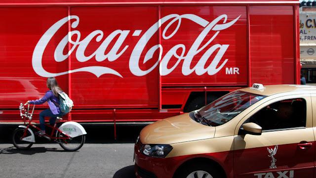 Denuncian que el Gobierno mexicano beneficia a Coca-Cola mientras comunidades carecen de agua