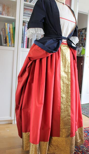 Robes et costumes 17 et 18 e par costumière à Versailles 78